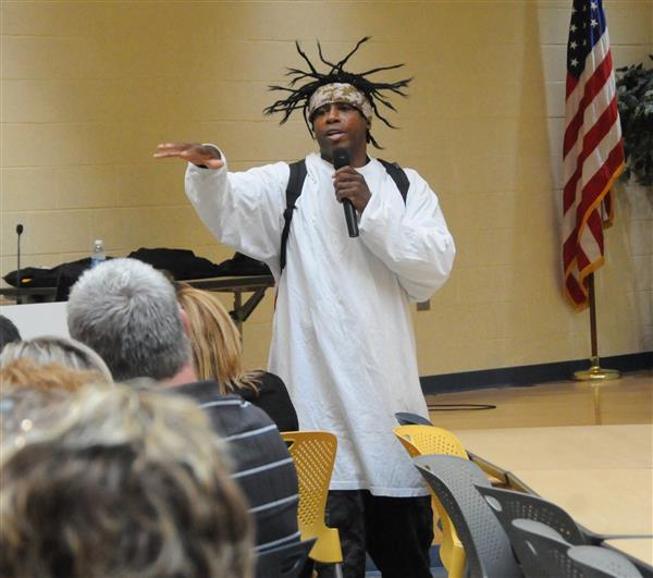 NATIONALLY RENOWNED EDUCATOR KICKS OFF AFTER SCHOOL PROGRAM
