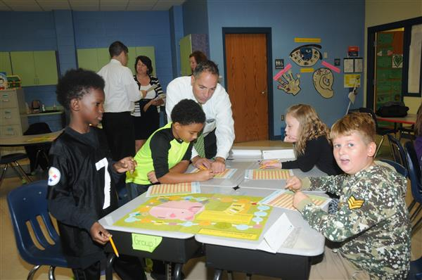 JUNIOR ACHIEVEMENT AND HUNTINGTON BANK PARTNER TO TEACH FINANCIAL LITERACY AT CLARENDON