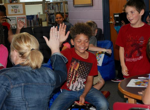 CLARENDON 4th GRADERS LAUNCH GLOBAL READING