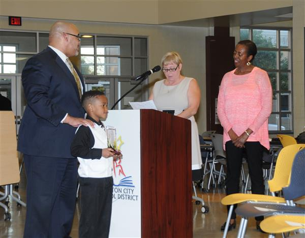 DISTRICT RECOGNIZES STUDENTS AND EMPLOYEES OF MONTH
